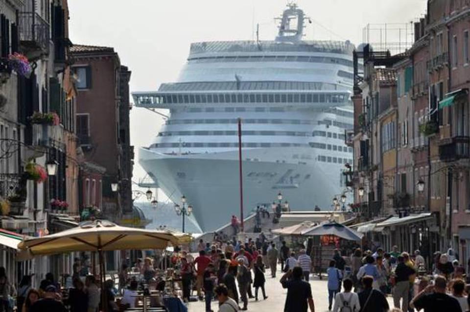 Eunews.it – Elly Schlein (S&D) alla Commissione: le grandi navi possono entrare a Venezia?