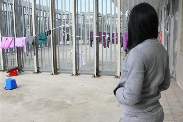 No al rimpatrio delle ragazze nigeriane dal CIE di Ponte Galiera