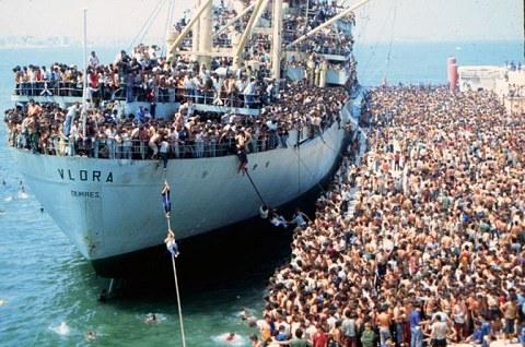 25 anno dall'arrivo della Vlora